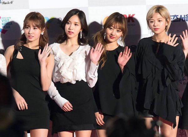 Tags: K-Pop, JYP Entertainment, Twice, Jihyo, Hirai Momo, Yoo Jeongyeon, Myoui Mina