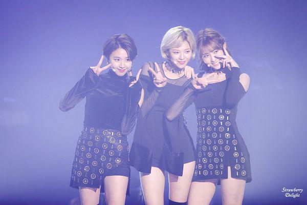 Tags: K-Pop, Twice, JYP Entertainment, Son Chaeyoung, Yoo Jeongyeon, Hirai Momo