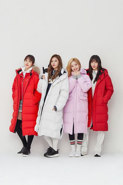 Tags: K-Pop, Twice, Myoui Mina, Hirai Momo, Minatozaki Sana, Kim Dahyun