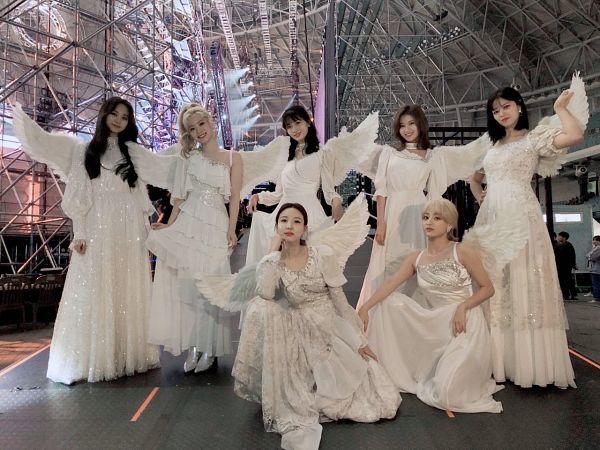 Tags: K-Pop, Twice, Jihyo, Yoo Jeongyeon, Hirai Momo, Minatozaki Sana, Kim Dahyun, Tzuyu, Im Nayeon, White Dress, Angel Wings, Wings