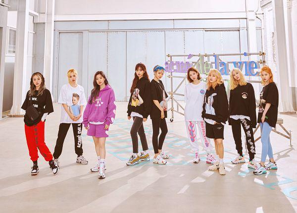 Tags: K-Pop, Twice, Tzuyu, Son Chaeyoung, Myoui Mina, Yoo Jeongyeon, Jihyo, Minatozaki Sana, Hirai Momo, Kim Dahyun, Im Nayeon