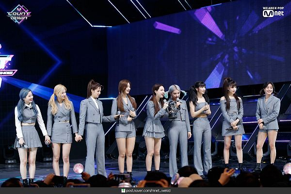 Tags: K-Pop, Twice, Hirai Momo, Kim Dahyun, Im Nayeon, Tzuyu, Son Chaeyoung, Myoui Mina, Yoo Jeongyeon, Jihyo, Minatozaki Sana