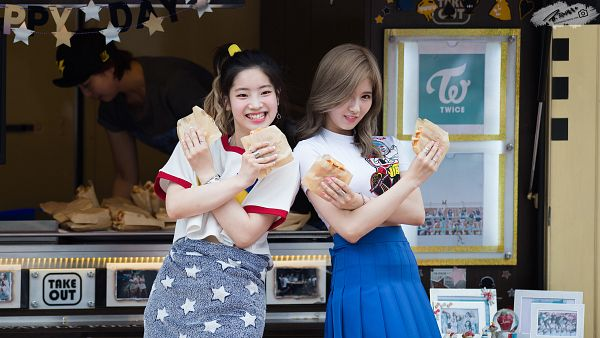 Tags: K-Pop, Twice, Minatozaki Sana, Kim Dahyun, Wallpaper, HD Wallpaper