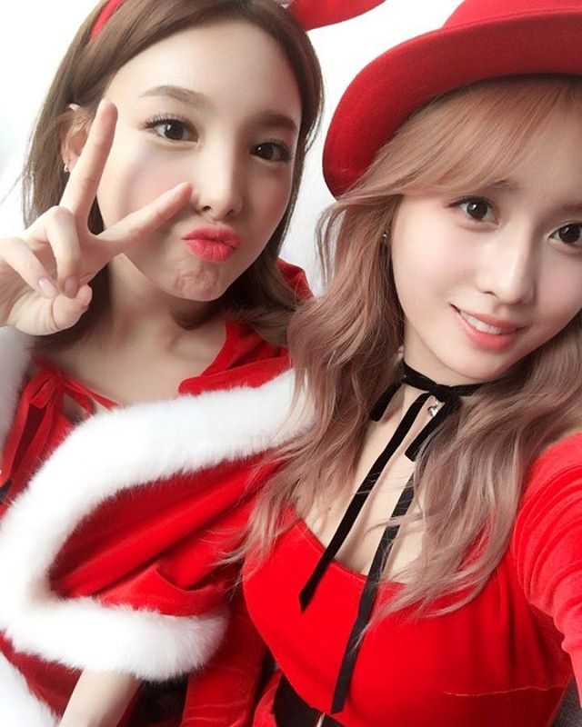 Tags: K-Pop, Twice, Im Nayeon, Hirai Momo