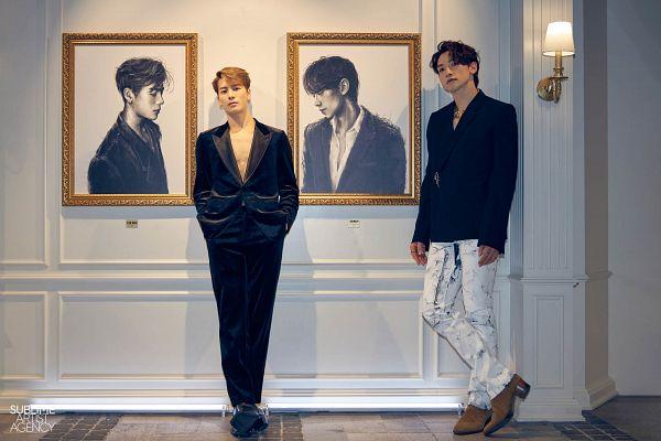 Tags: K-Pop, SSAK3, Got7, Rain (Singer), Jackson, Black Jacket, Two Males, Suit, White Pants, Lamp, Duo