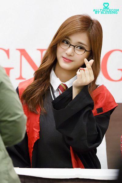 Tags: K-Pop, Twice, Tzuyu, Tie, Striped Neckwear, White Background, Striped, Ring, Red Neckwear, Sweater, Looking Away, Robe