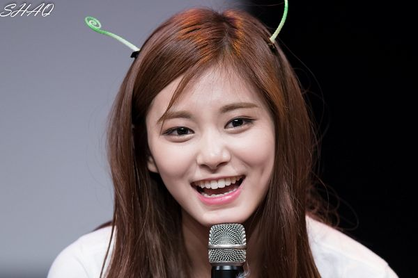 Tags: K-Pop, Twice, Tzuyu, Wallpaper
