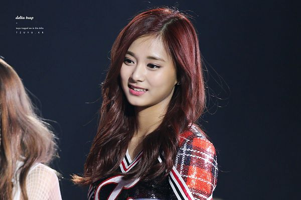 Tags: K-Pop, Twice, Tzuyu, Checkered, Black Background, Checkered Shirt, Looking Ahead, Dark Background, Wallpaper