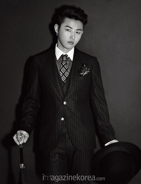 Tags: K-Pop, Block B, U-kwon, Striped Pants, Striped, Monochrome, Dark Background, Suit, Cane, Black Background, Stick, Hat