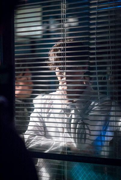 Tags: K-Drama, Um Ki-joon, Serious, Window Blinds, Glasses, I'm Not a Robot