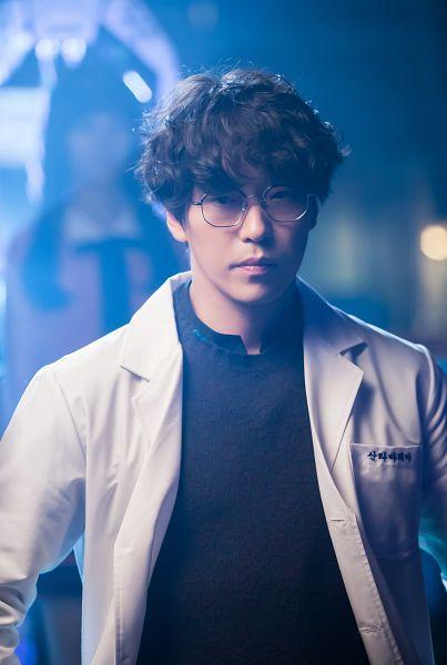 Tags: K-Drama, Um Ki-joon, Glasses, Serious, I'm Not a Robot