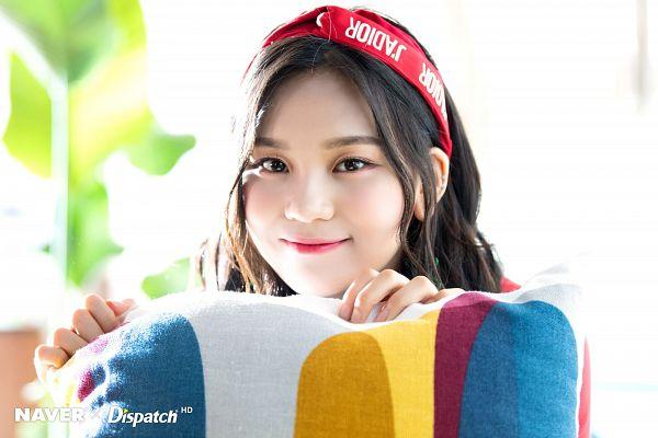 Tags: K-Pop, G-friend, Umji, Light Background, Red Headwear, White Background, Headdress, Hairband, Dispatch