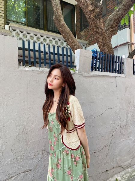 Tags: K-Pop, G-friend, Umji, Floral Jacket, Necklace, Floral Dress, Arms Behind Back, Green Dress, Cardigan, Floral Print, Green Outfit, Wall