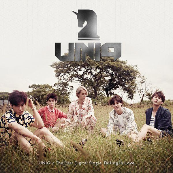 Tags: K-Pop, Uniq, Zhou Yixuan, Wang Yibo, Li Wenhan, Kim Sungjoo, Cho Seung-yeon, Sitting On Ground, Eyes Closed, Five Males, Text: Artist Name, Group