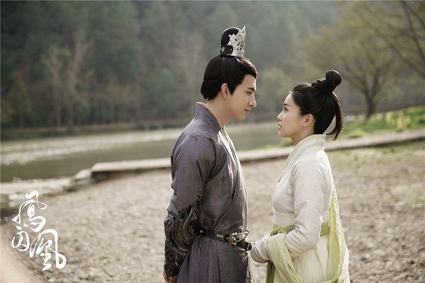 Tags: C-Drama, Bai Lu, Merxat, Tree, Arms Behind Back, Belt, Water, River, Single Bun, Hair Ornament, Chinese Text, Chinese Clothes