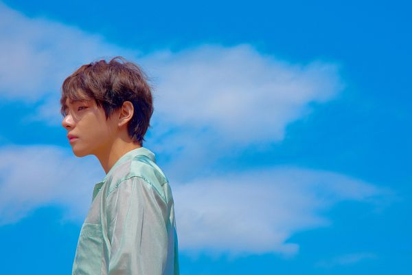 Tags: K-Pop, Bangtan Boys, V (Kim Taehyung), Looking Ahead, Close Up, Side View, Outdoors, Sky, Clouds, Twitter, Love Yourself: Tear