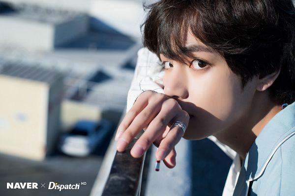 Tags: K-Pop, BTS, V (Kim Taehyung), Plaided Print, City, Close Up, Outdoors, Ring, Plaided Shirt, Sky, Car, Day