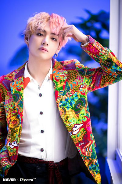 Tags: K-Pop, Bangtan Boys, V (Kim Taehyung), Wavy Hair, Plant, Indoors, Necklace, Multi-colored Hair, One Arm Up, Collar (Clothes), English Text, Contact Lenses