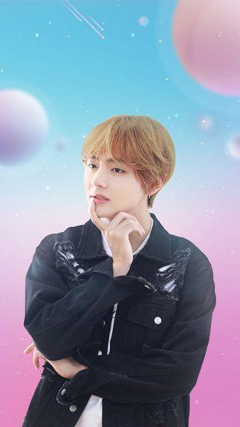 Tags: K-Pop, BTS, V (Kim Taehyung), Looking Ahead, Crossed Arms, Black Jacket, Gradient Background, Black Eyes, Biting Lip, Black Outerwear, BTS World, Netmarble