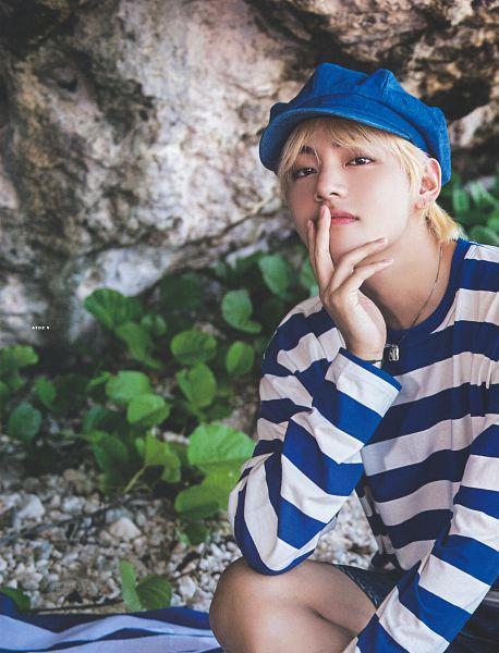 Tags: K-Pop, BTS, V (Kim Taehyung), Striped, Chin In Hand, Blue Headwear, Striped Shirt, Denim Shorts, Black Eyes, Shorts, Jeans, Blue Shorts