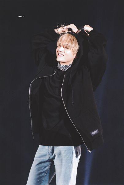 Tags: K-Pop, BTS, V (Kim Taehyung), Hood Up, Bandana, Jeans, Black Background, Glasses Off, Holding Object, Bracelet, Grin, Dark Background
