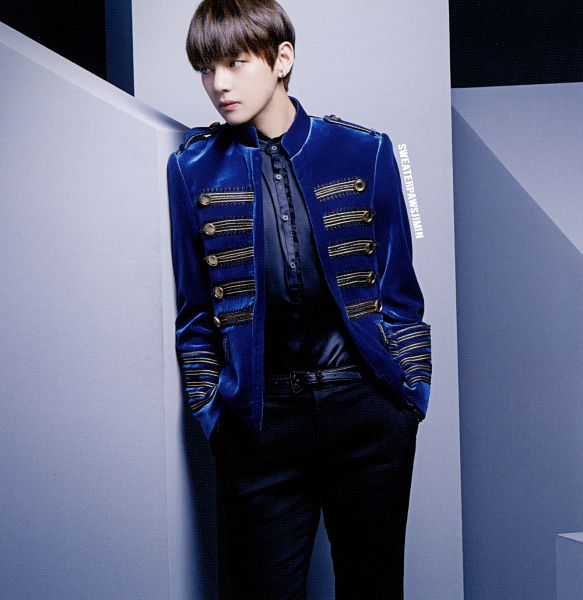 Tags: K-Pop, BTS, V (Kim Taehyung), Hand In Pocket, Buttons, Collar (Clothes), Looking Away, Blue Outerwear, Belt, Blue Jacket, Black Pants, Scan