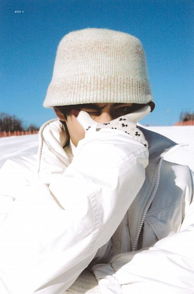 Tags: K-Pop, BTS, V (Kim Taehyung), White Outerwear, Frown, White Headwear, Snow, Covering Eyes, White Jacket, Covering Face, Gloves, Turtleneck
