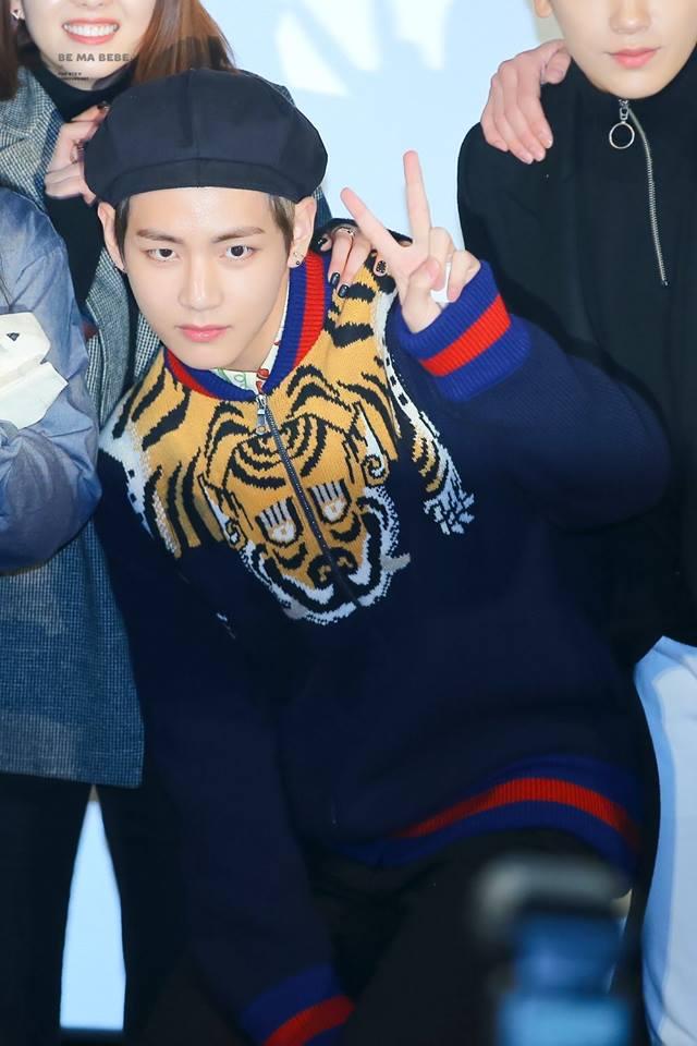 Tags: K-Pop, BTS, V (Kim Taehyung), Hat, Black Eyes, Animal Print, Black Headwear, Sweater, V Gesture