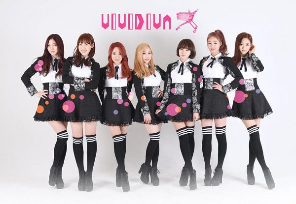 Tags: K-Pop, VIVIDIVA, Ha.L, Kana, Saeyan, Seo Soojin, Jeon Sara, Jeong Go-woon, Guu Me!, Full Body, Blonde Hair, Text: Artist Name