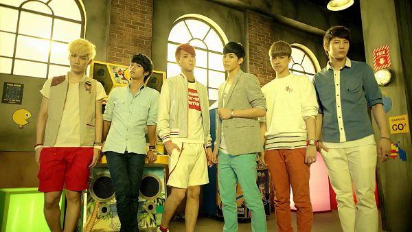 Tags: K-Pop, VIXX, Ken, Hongbin, Leo, Ravi, N (singer), Hyuk, Gray Outerwear, Full Group, Group, Blue Shirt