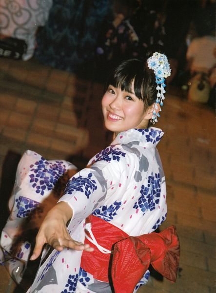 Tags: J-Pop, AKB48, NMB48, Watanabe Miyuki, Traditional Clothes, Night, Kimono, Hair Up, Hair Ornament, Blunt Bangs, Sitting On Ground, Scan