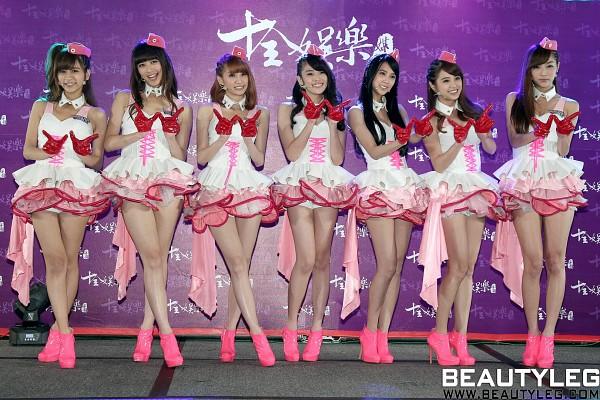 Tags: J-Pop, C-Pop, Weather Girls, Yumi, Hijon, Mini, Esse, Mia (Weather Girls), Daraa, Nuenue, High Heels, Gloves