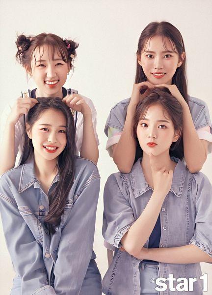 Tags: K-Pop, Weeekly, 4Minute, Monday, Lee Soojin, Jihan, Shin Jiyoon, Crossed Arms, Jeans, Red Lips, Hair Buns, Brown Background