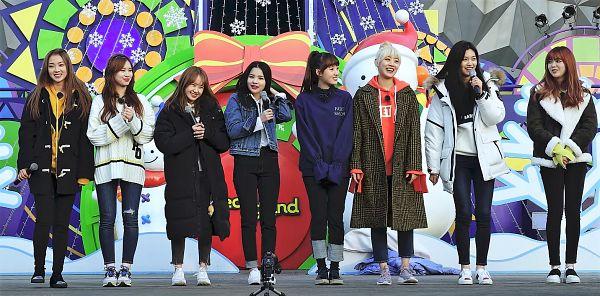 Tags: K-Pop, Weki Meki, Doyeon, Lua (Weki Meki), Choi Yoo-jung, Rina, Lucy (Weki Meki), Elly, Sei, Ji Suyeon, Hair Up, Sweater