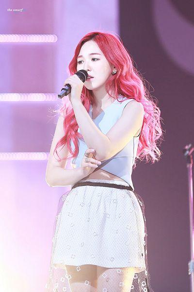 Tags: SM Town, K-Pop, Red Velvet, Wendy, White Skirt, Red Hair, Blue Shirt, Skirt