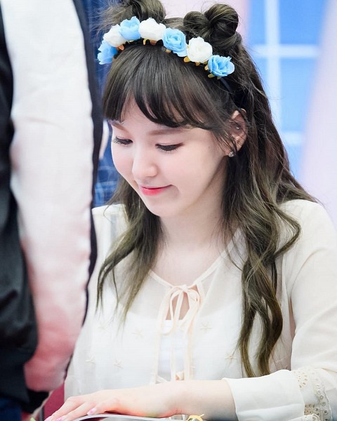 Tags: K-Pop, SM Town, Red Velvet, Wendy