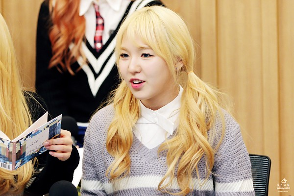 Tags: K-Pop, Red Velvet, SM Town, Wendy, Blonde Hair