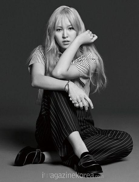 Tags: K-Pop, Red Velvet, Wendy, Black Pants, Striped Pants, Full Body, Gray Hair, Black Footwear, Striped Shirt, Sitting On Ground, Black Eyes, Harper's Bazaar