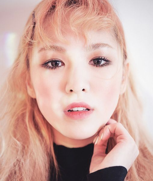 Tags: SM Town, K-Pop, Red Velvet, Wendy, Close Up, Marie Claire