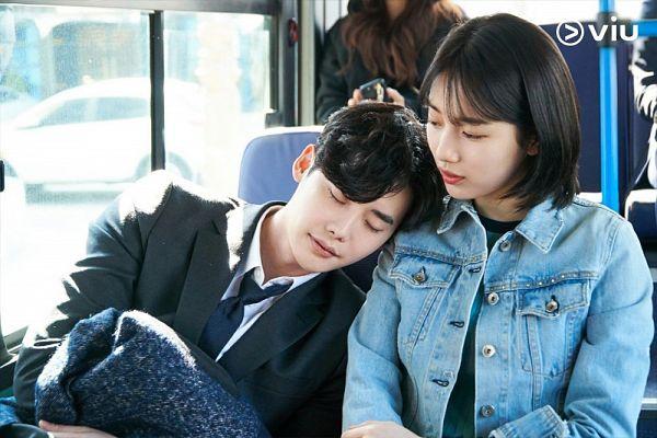 Tags: K-Drama, K-Pop, Miss A, Lee Jong-suk, Bae Suzy, Couple, Head On Shoulder, Duo, Sleeping, Medium Hair, Eyes Closed, While You Were Sleeping