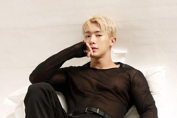 Tags: K-Pop, Monsta X, Wonho, Wallpaper, The Star, Magazine Scan