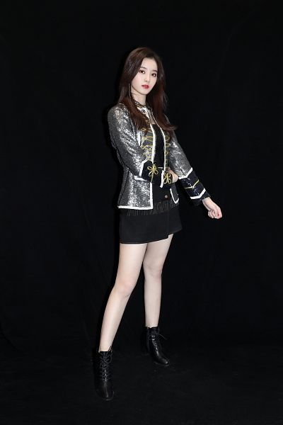 Tags: K-Pop, Xu Yiyang, Boots, Dark Background, Black Skirt, Red Lips, Shoes, Gray Outerwear, Black Background, High Heels, Bare Legs, Skirt