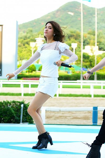 Tags: K-Pop, Uni.T, Spica, Yang Jiwon, Looking Ahead, High Heels, Bare Legs, Microphone, High Heeled Boots, Midriff, Outdoors, Boots