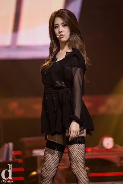 Tags: K-Pop, Spica, Yang Jiwon, Fishnets, Bare Legs, Black Dress, Black Legwear, Black Outfit, Dispatch