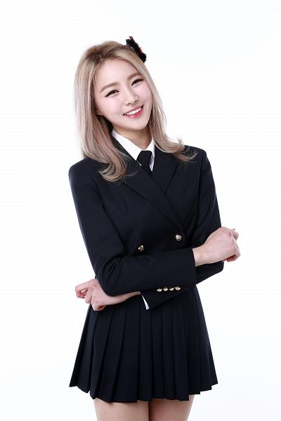 Tags: K-Pop, Bloomy, Yang Yeon-ji, Bow, Black Skirt, Pleated Skirt, Light Background, Hair Bow, White Background, Skirt, Crossed Arms, Android/iPhone Wallpaper
