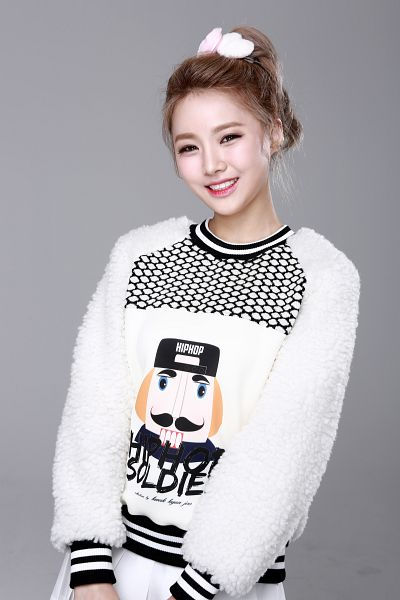 Tags: K-Pop, Bloomy, Yang Yeon-ji, Gray Background, Ponytail, Sweater, Android/iPhone Wallpaper