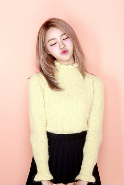 Tags: K-Pop, Bloomy, Yang Yeon-ji, Yellow Shirt, Skirt, Pouting, Make Up, Pleated Skirt, Blush (Make Up), Pink Background, Head Tilt, Black Skirt