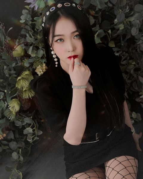 Tags: K-Pop, Zerosix, Ye Hwa, Belt, Looking Up, Fishnets, Gray Eyes, Bracelet, Pantyhose, Finger To Lips, Hairband, Red Lips