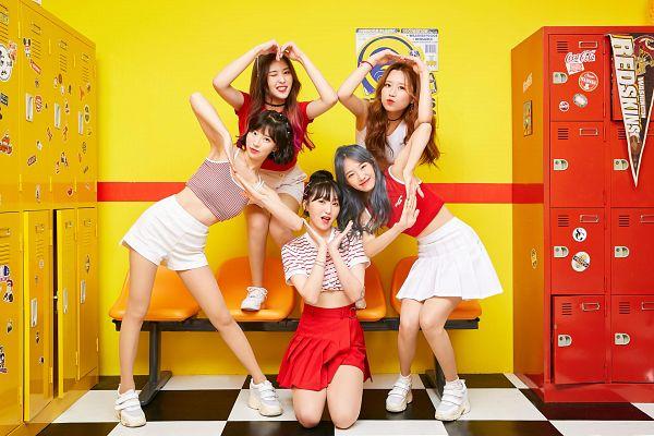 Tags: K-Pop, Yellow Bee, Annie, Ryuhee, Seolha, Soye, Ari, Shorts, Choker, Skirt, Full Group, Striped Shirt