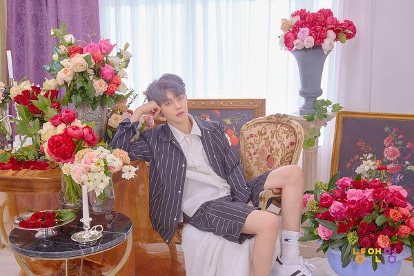 Tags: K-Pop, TXT, Yeonjun, Pink Flower, White Flower, Red Flower, Flower, Korean Text, Rose (flower), Twitter